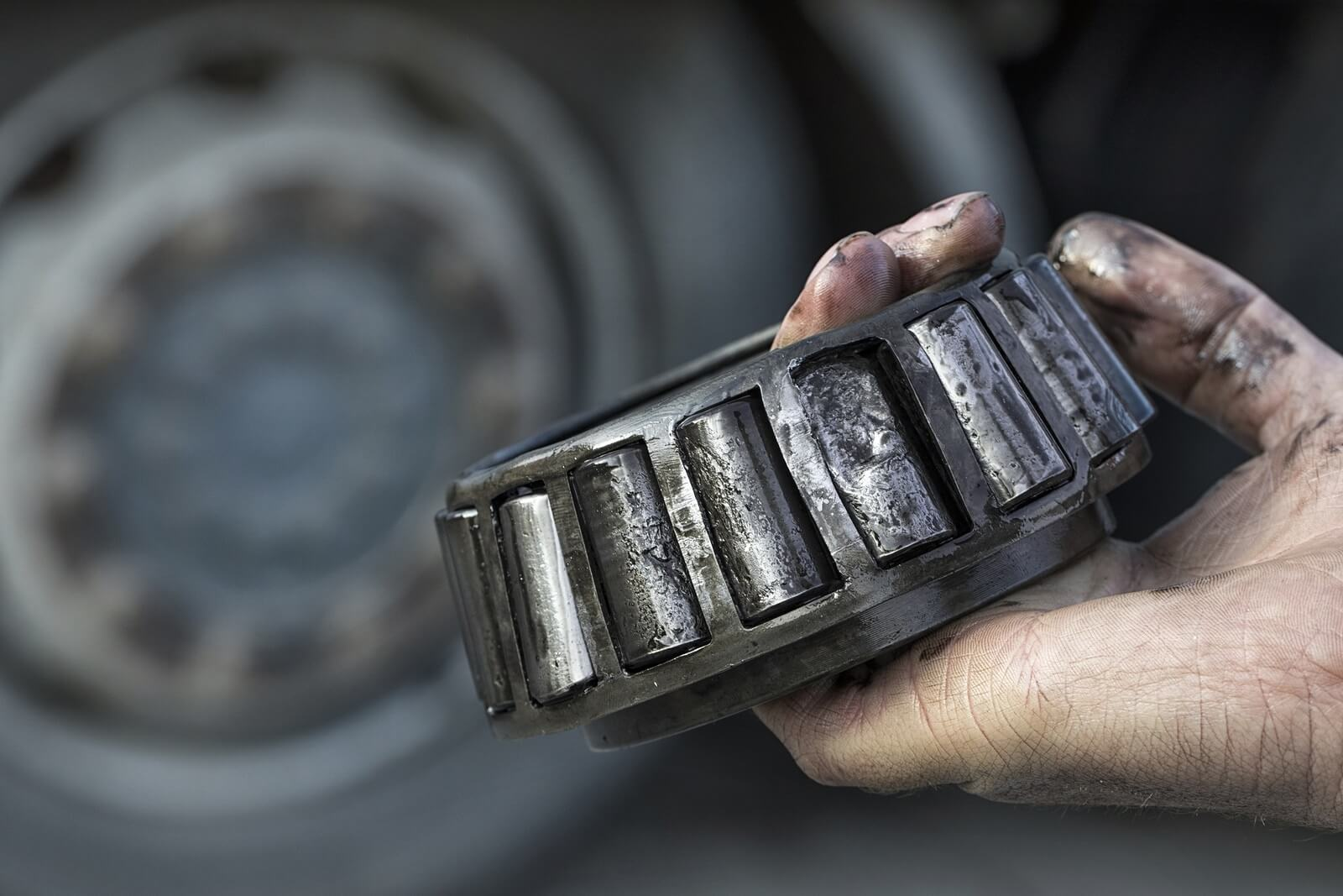 bad truck equipment injuries and settlements