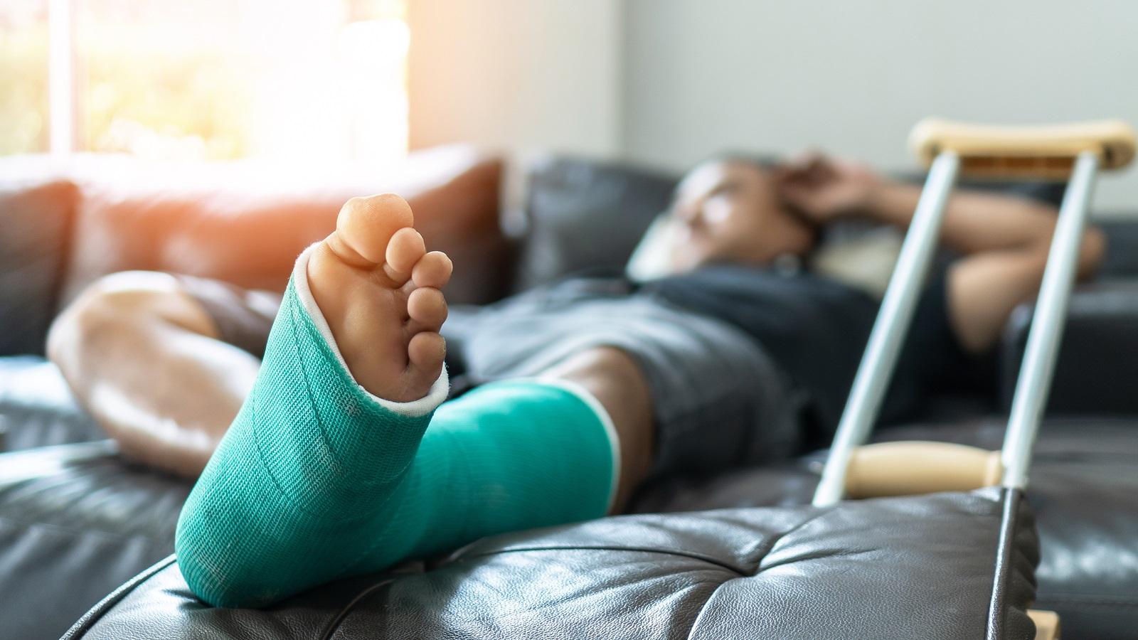 settlement for broken bone in NV hospital